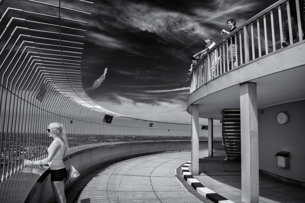 Olympiapark Leica M mit 21mm Super-Elmar asph. bei f/3.4   1/4000sec    ISO 200