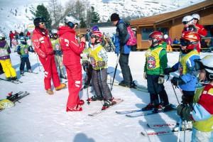 Am Sammelplatz der Skischulen, Leica M2 mit Elmar 50mm, Fuji Velvia