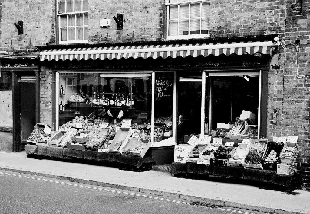 Farnham Greengrocers Shop IID 50 Skopar