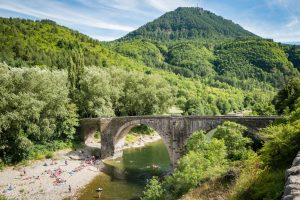 Die alte Brücke bei Ispagnac. Leica Q bei f/5.6  1/250sec  ISO 100