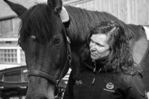 Porträt mit Pferd, 50mm Summicron bei f/2