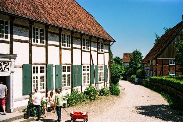 Paderborner Dorf, Leica M2 mit 35mm Summilux, Kodak Portra