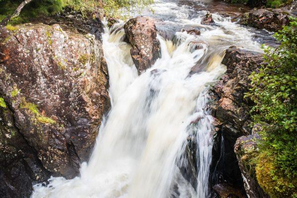 Untere Steall Falls, M10 mit 21mm Super-Elmar bei f/16  1/15sec  ISO 100