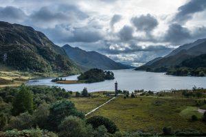 Schottland: Highland Monument im Gegenlicht. M10 mit 28mm Summicron bei f/8.0  1/125sec  ISO 100