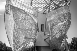 Architektur: Fondation Louis Vuitton. M10 mit 28mm Summicron bei f/5.6  1/250sec  ISO 100