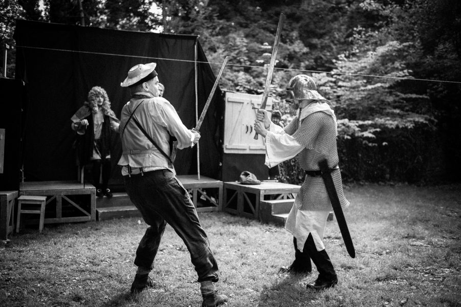"<div class=""erm-title-wrapper"">Don Quichote hat keine Chance</div>"