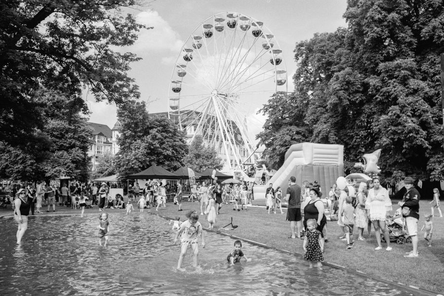 Leineweberfest, Leica IIIf mit 3,5cm Summaron, Orange-Filter