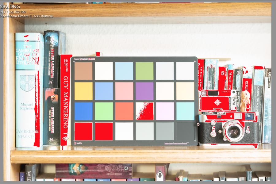 100 ISO-Datei Bildschirmfoto: Überbelichtung (rot), in Lightroom markiert