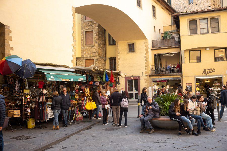 Am Fuß der Ponte Vecchio