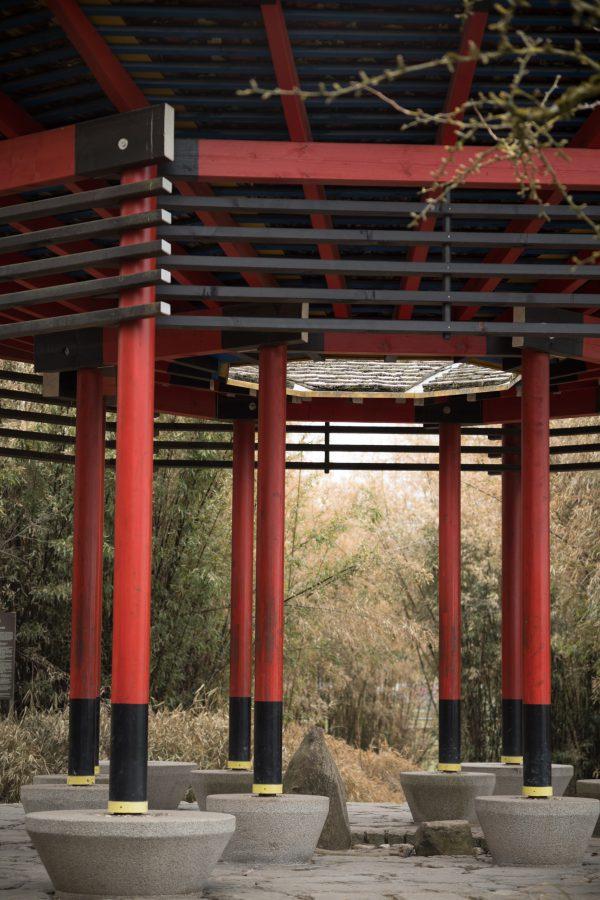 Auch hier beim Japanischen Pavillon: Schöne Durchzeichnung. M-Rokkor 90/4 on M10